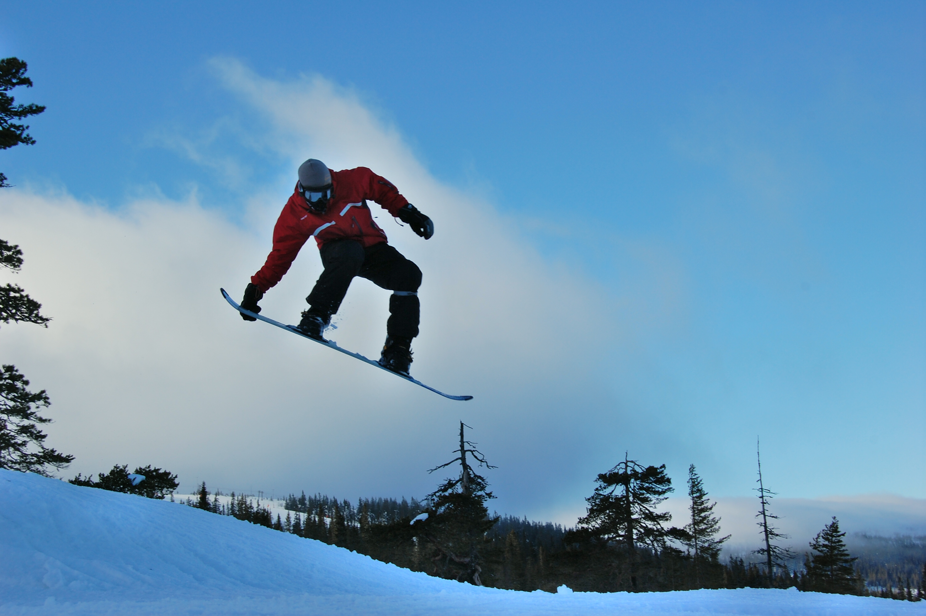 I absolutely love snowboarding and I try to go every year! (Sälen, Sweden 2008).